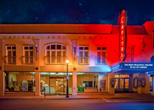Alana Lee Photography: Capitol Theatre Port Hope at night