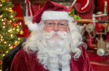 Alana Lee Photography: Santa photos at the Canadian Fire Fighters Museum in Port Hope Ontario by Alana Lee Photography